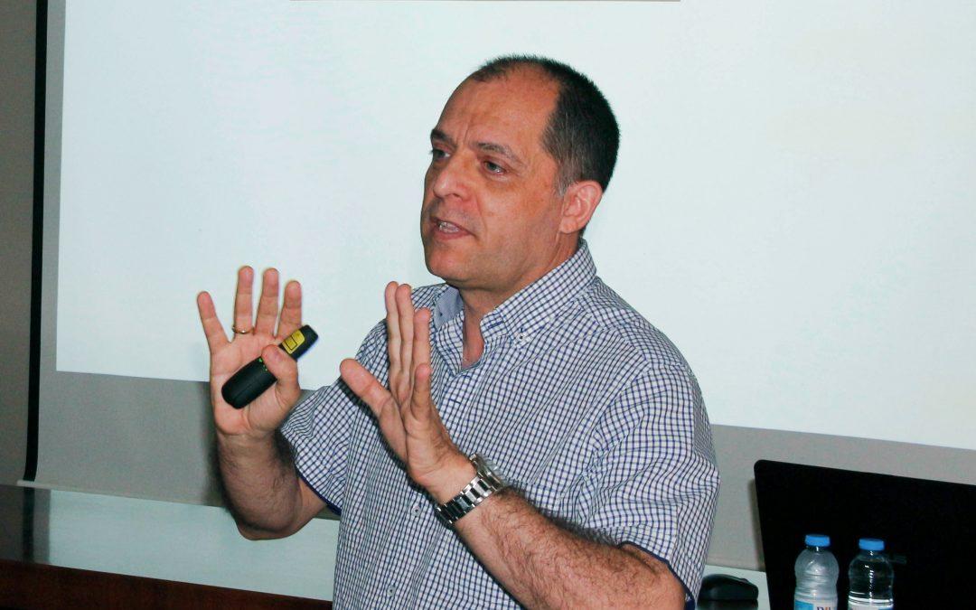 Lorenzo Fraile, professor de la UdL i investigador d'Agrotecnio, a la Comissió 'One Health' dels veterinaris catalans